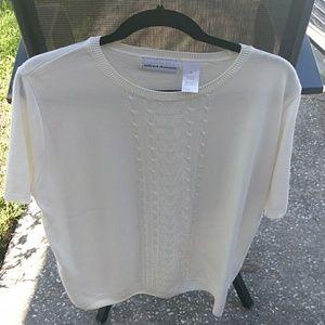 Alfred Dunner short sleeve sweater light weight